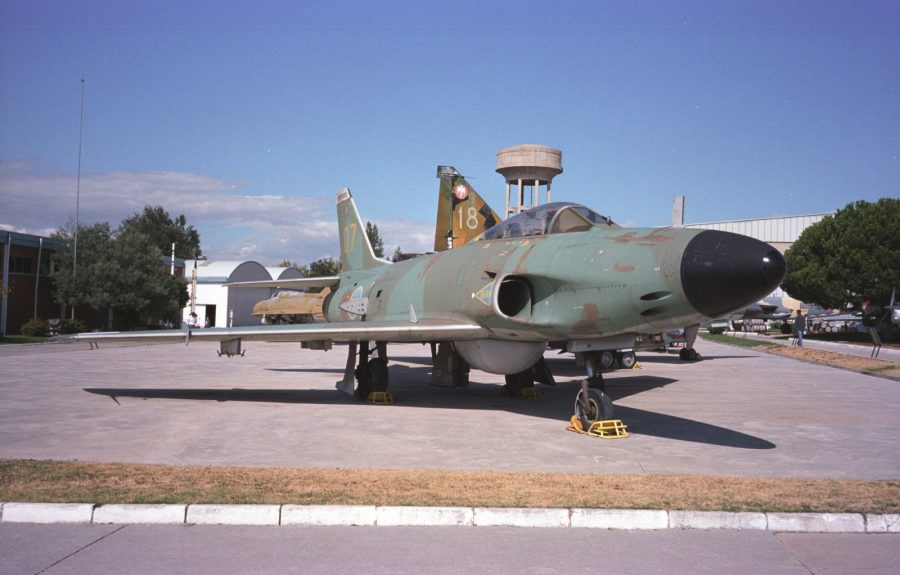 Saab J32E Lansen equipped for ECM