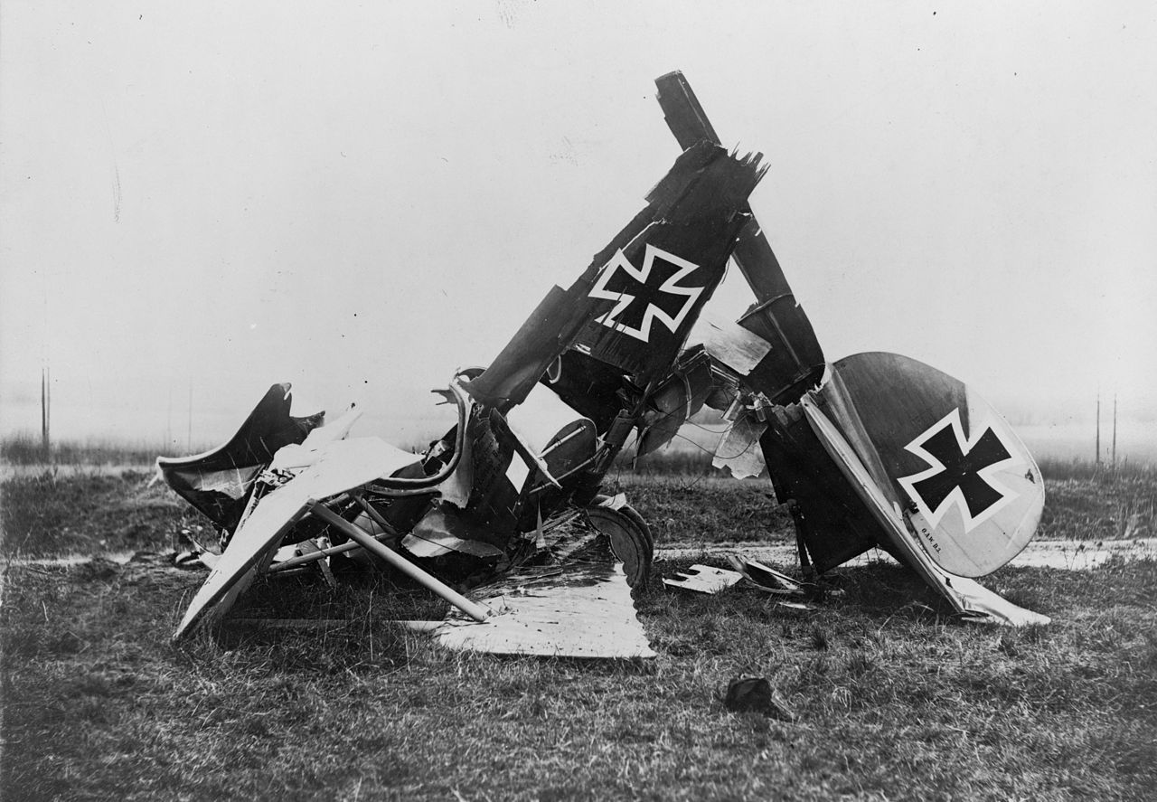 Albatros D.III - Wrecked at Flanders