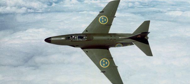 Saab J32 Banking Maneuver